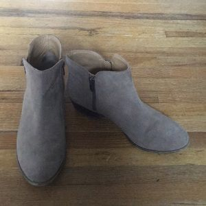 Lucky Brand zipper ankle boots
